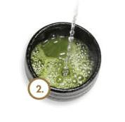 mezclar agua y matcha