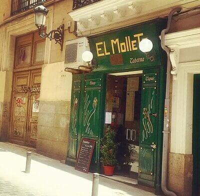 fachada del restaurante típico español en metro ópera