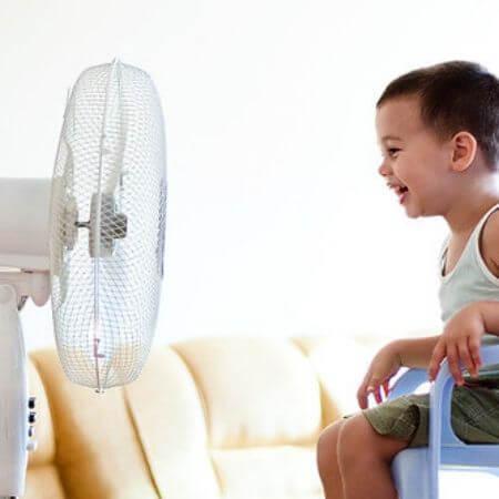 Son seguros los ventiladores de pie para los niños y mascotas